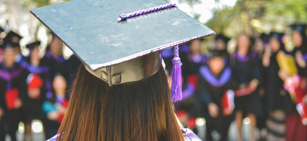 help graduates aviod financial ruin But when parents provide their children with financial assistance in other ways—letting them live at home for free, for instance—the opposite is true  college graduates who received money.